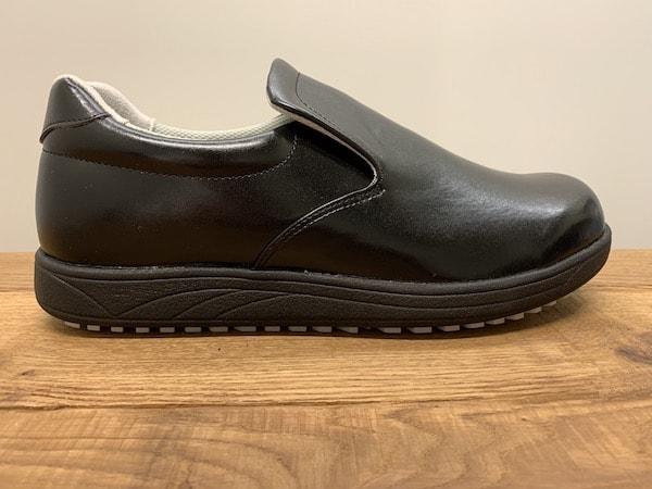 アキレスのクッキングメイト100のサイズ感は普段履きスニーカーと同じサイズでOK