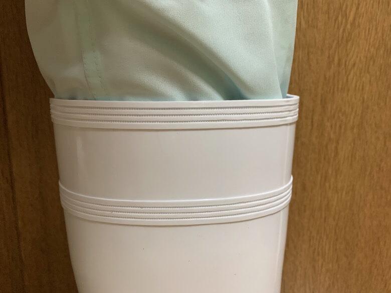 ハイグリップHG2000Nは、生地の薄い白衣のパンツでも隙間がない