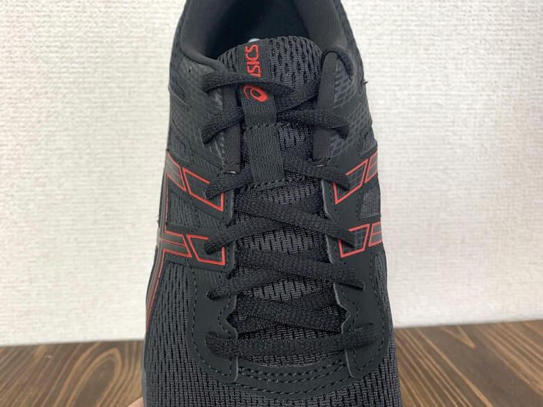 GEL-CONTEND6は靴紐でフィッティング性高い