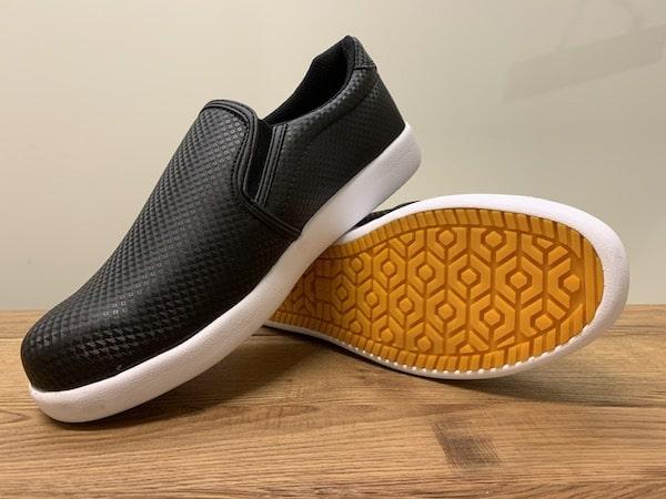 ワークマンの靴ファイングリップCB400
