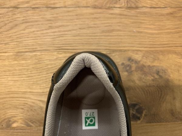 シェフメイトα-100のカカト幅は足にしっかりフィット