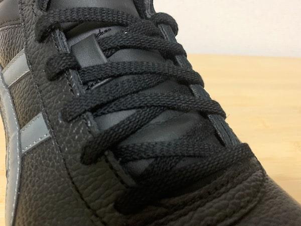 ウィンジョブFFR71sの靴紐は平紐でほどけにくい