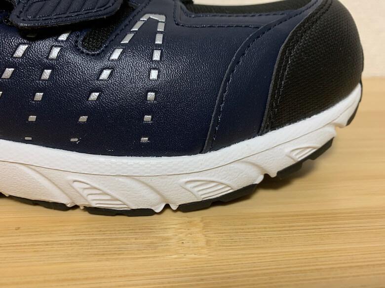 スポルディングの安全靴は、フレックスグルーヴで新品から履きやすい