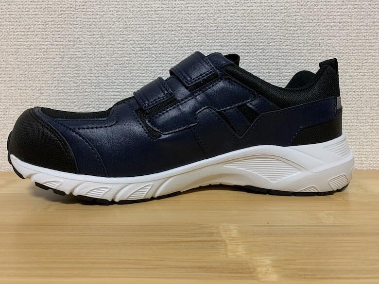 スポルディングの安全靴のサイズ感は、普段履きスニーカーと同じ