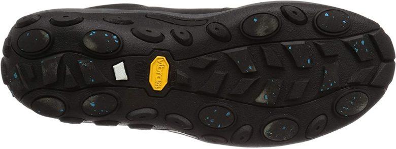 ジャングルモックアイスプラスの靴底は、繊維素材が配合されているので、アイスバーンでも滑りにくい