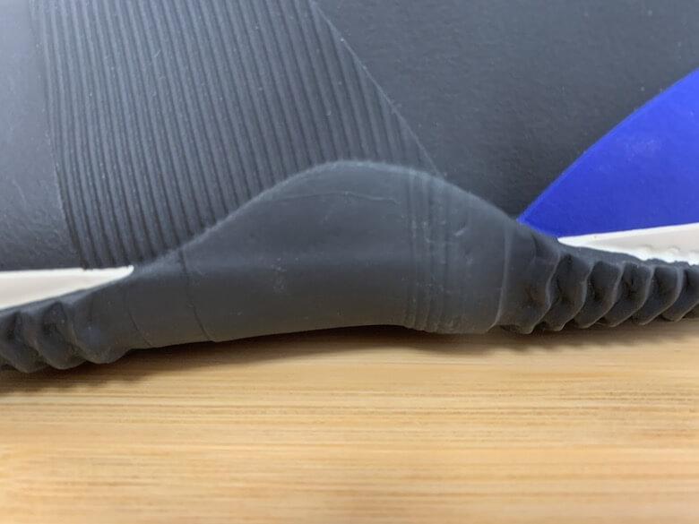 ミズノのジャスタフィットはアーチ部の補強が二重