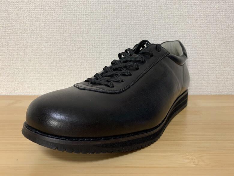 メディカルウォークは、アサヒシューズが開発した膝にやさしい靴