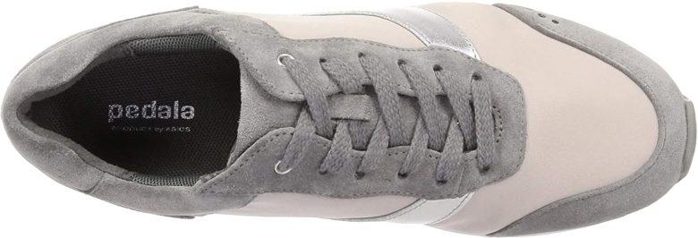 ペダラWC126Cは靴紐でフィッティング性が高い