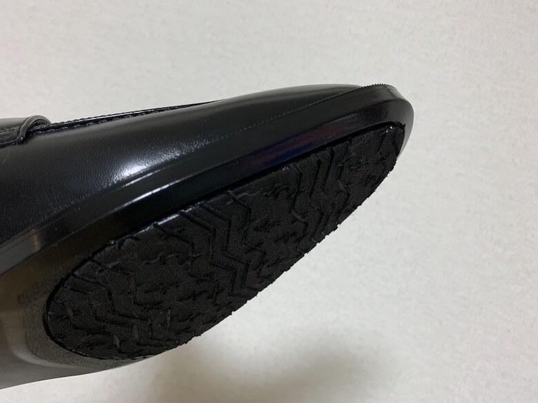 通勤快足TK-3308は靴底が一体成型で剥がれない