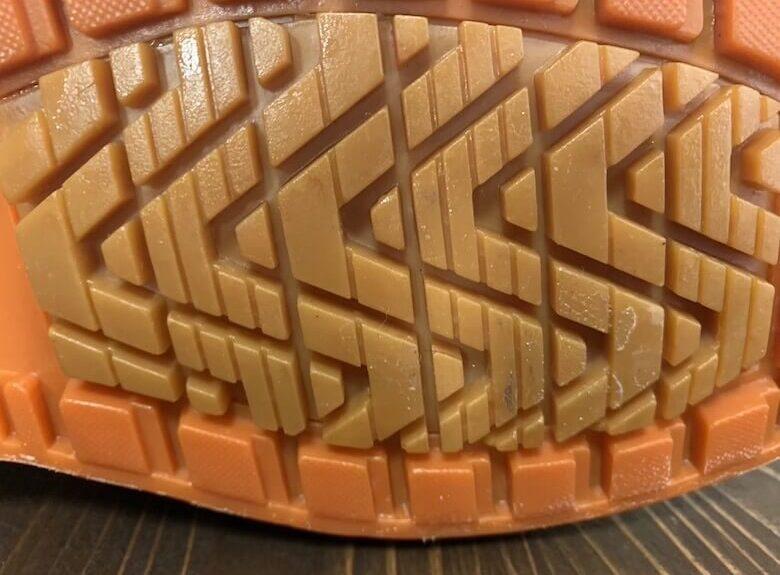 カルサーエースのセラミック入りの靴底