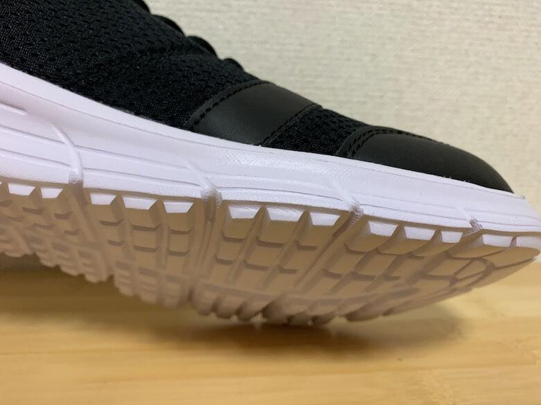 アスレシューズライトはクッションと靴底が同じ素材