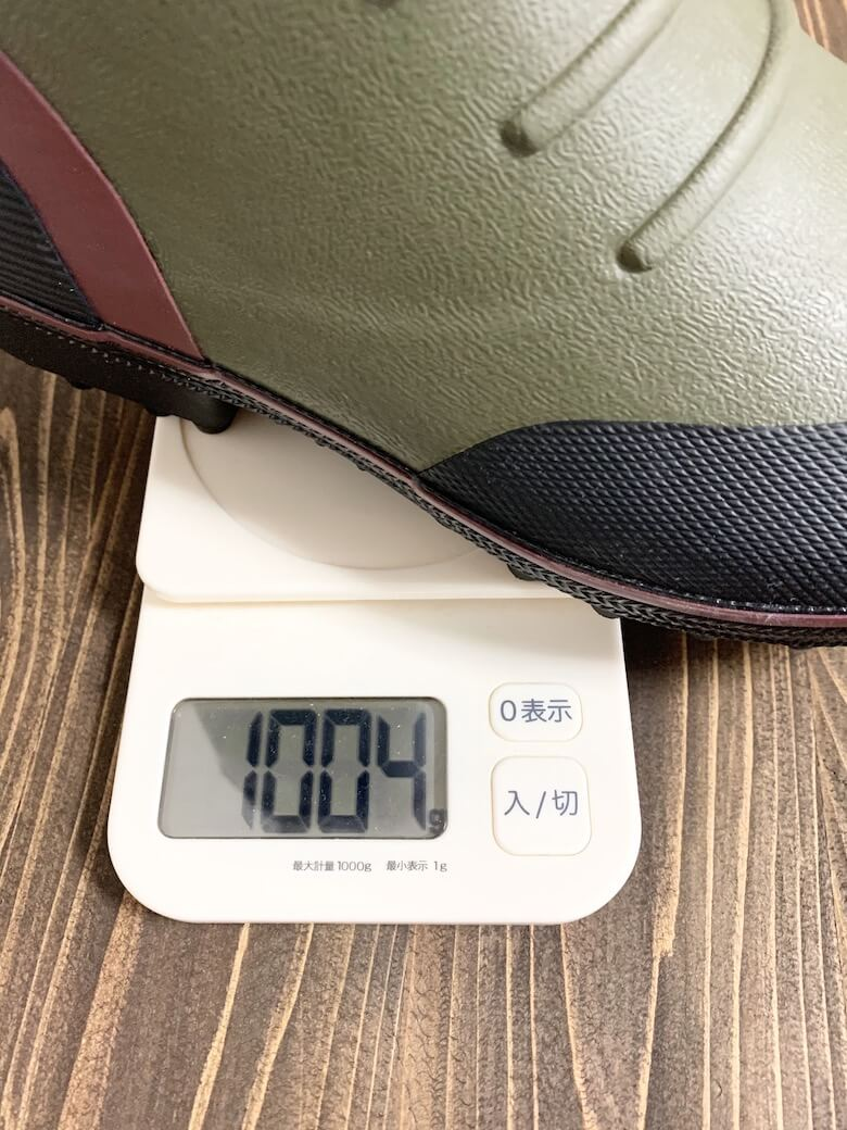 福山ゴムの長靴『スパイクジョイ』の重量はLLサイズで1004g