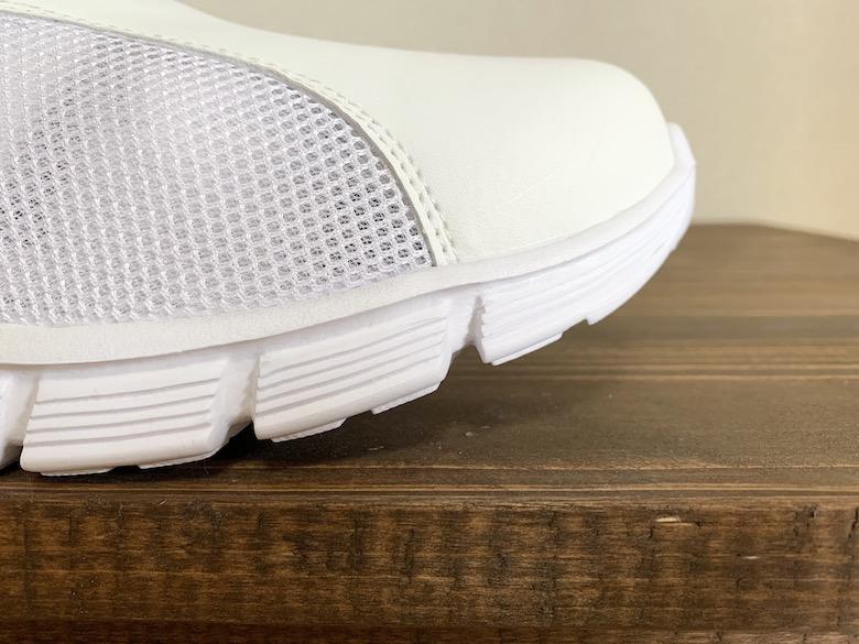 ケアセーフティスポーツCSS-95はトーアップで歩きやすい