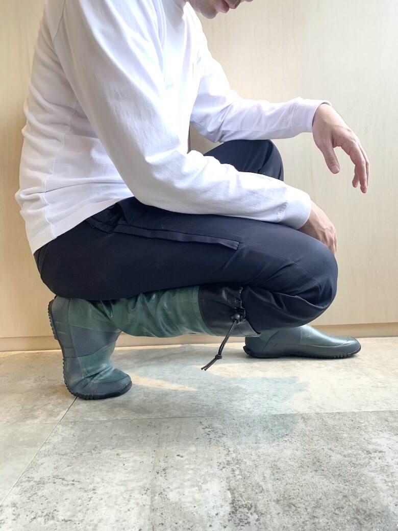 野鳥の会の長靴はしゃがみやすい