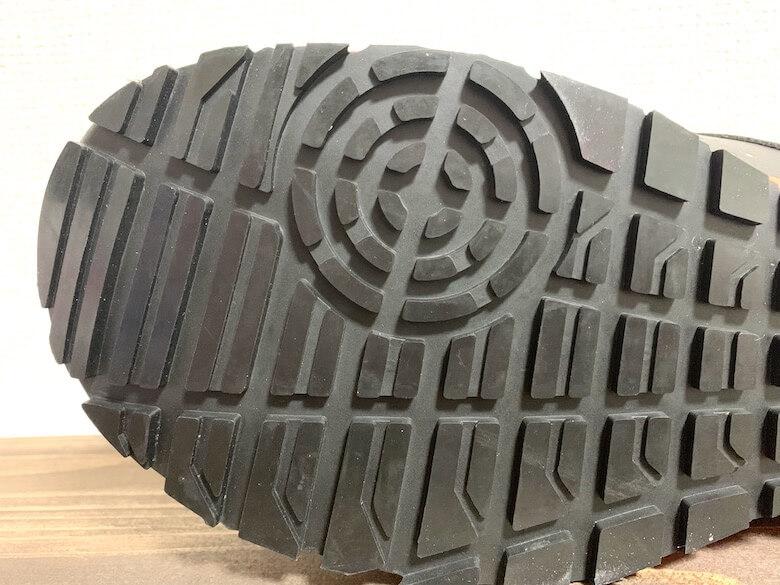 イグニオの安全靴の靴底