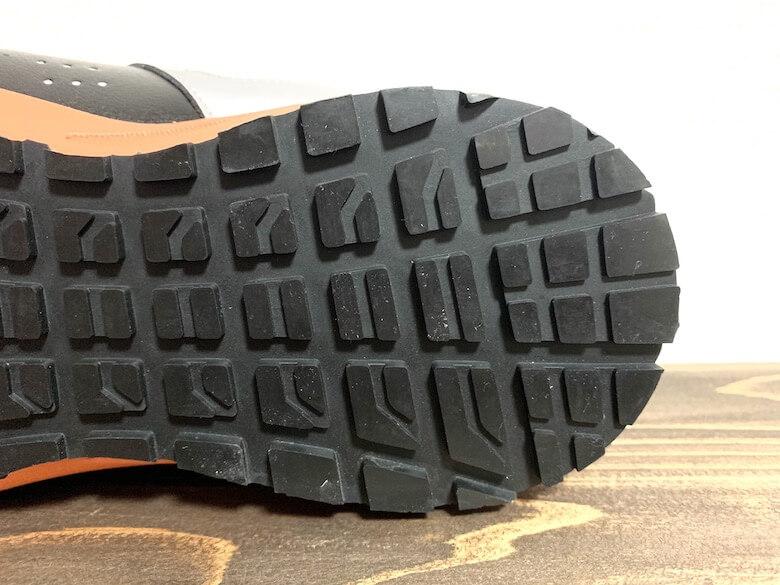 イグニオの安全靴は着地が安定する